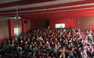 Urfa'da onbinlerce öğrenci sinemayla buluştu