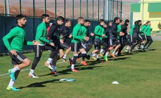Urfaspor'un yeni oyuncuları Niğde maçında forma giyemeyecek