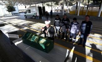 Valiz içinde bulunan Suriyeli bebeğin cenazesi defnedildi