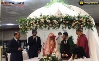Ekinci, nikah şahidi olduğu genç çiftçi mitinge davet etti