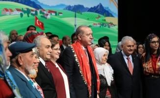 Erdoğan ve Fakıbaba milletin evinde çiftçilerle buluştu