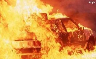 Gaziantep-Urfa yolunda otomobil alev aldı