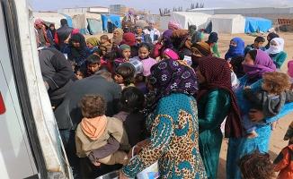 Akçakale'de Suriyeli sığınmacılara sıcak yemek