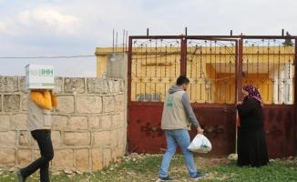 İHH'den Afrin'in batısındaki köylere yardım