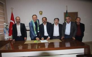 Urfaspor'un yeni teknik direktörü Taşyürek oldu