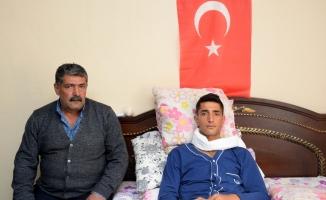 """""""Yaralarım iyileşir de vatansız ve milletsiz asla olmaz"""""""