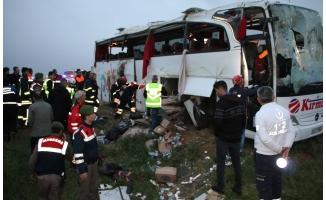 Aksaray'da otobüs devrildi: 4 ölü, 27 yaralı