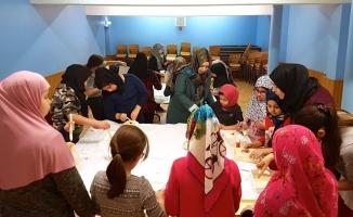 """Almanya'da çocuklara """"İslam dininde yemek adabı"""" eğitimi"""
