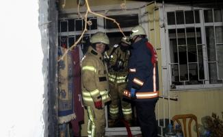 Fatih'te dört katlı apartmanda yangın