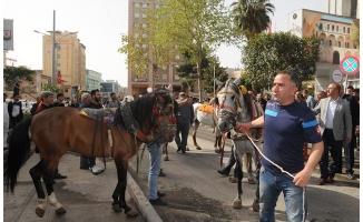 Şanlıurfa'da at arabacılar eylem yaptı
