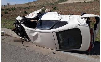 Şanlıurfa-Gaziantep yolunda otomobil devrildi: 1 ölü