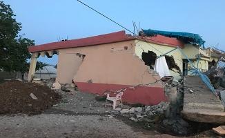 Adıyaman'daki depremde evler hasar gördü