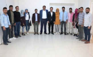 AK Gençlikten Başkan Ayhan'a ziyaret