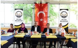 Bayık ve eşi AK Parti kadın kollarıyla buluştu