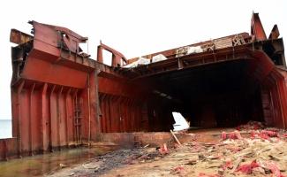 """Bozcaada'nın """"davetsiz misafiri"""" inşaat demiri olacak"""