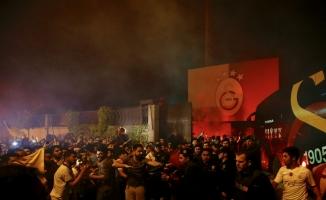 Galatasaray'a Florya'da coşkulu karşılama