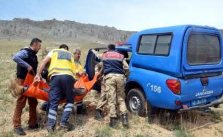 Kayalıktan düşüp mahsur kalan kişi kurtarıldı