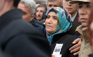 'Oğlumun cenazesinde dik durdum teröristleri sevindirmedim'
