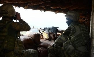 PKK/YPG'li 2 terörist daha teslim oldu