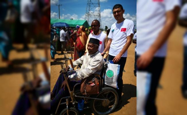 Tanzanya'daki sel mağdurlarına Hüdayi Vakfı'ndan yardım