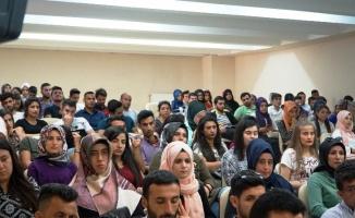 Urfa Harran MYO'da Çağrı Merkezleri Paneli Düzenlendi