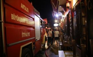 Antalya'da tarihi Kaleiçi'nde yangın