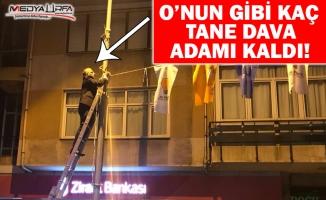Metin Külünk İstanbul'un sokaklarına AK Parti bayraklarını astı