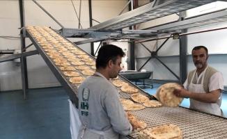 Suriyelilere günde 750 bin ekmek