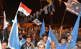 Türkmen göstericiler gece nöbetlerine devam ediyor