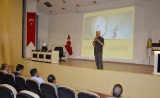 Urfa'da Gençlik ve Gelecek konferansı verildi