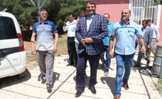 Başkan Ayhan Akçakale'de çalışmalarını sürdürüyor