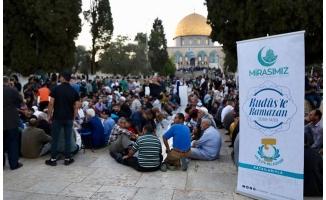 Demirkol Kudüs'teki Müslümanların yanında oldu