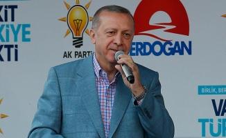 Erdoğan: Kendi projelerimizle yarışıyoruz