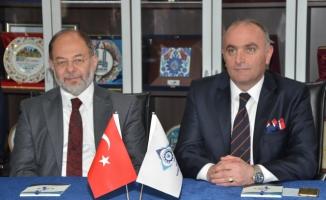 """""""Gençleri iyi eğitip iş alanları oluşturursak Türkiye'nin önü açık"""""""