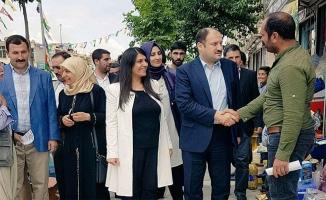 Gülpınar Siverek'te AK Parti'ye destek istedi