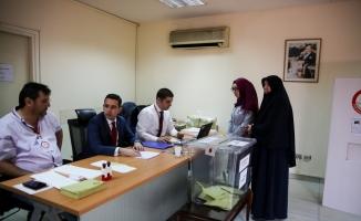 Mısır'da yaşayan Türk seçmenler sandık başında