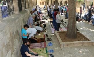 """""""Peygamberler şehri'nde ramazanın son cuma namazı kılındı"""