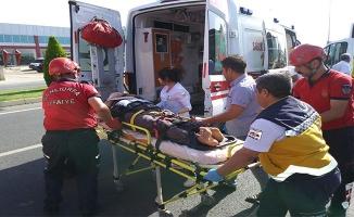 Bozova'da minibüs ile kamyon çarpıştı: 5 yaralı