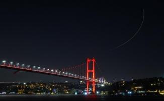 """15 Temmuz Şehitler Köprüsü'nde ışıklar """"özel sporcular"""" için yandı"""