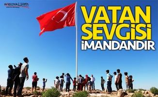 Akçakale'de dev Türk bayrağı göndere çekildi
