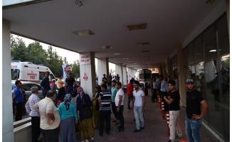 Urfa'da tarım işçilerini taşıyan minibüs devrildi: 11 yaralı