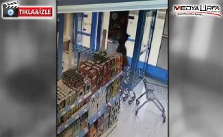 Viranşehir'de marketten hırsızlık kamerada