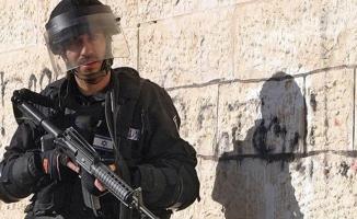İsrail askerlerinden Batı Şeria'daki okula baskın
