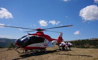 Samsun'da yaşlı kadının imdadına ambulans helikopter yetişti