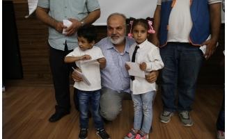 Suriyeli yetimlere bayram harçlığı
