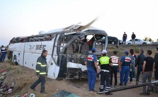 Aksaray'da yolcu otobüsü devrildi: 6 ölü, 43 yaralı