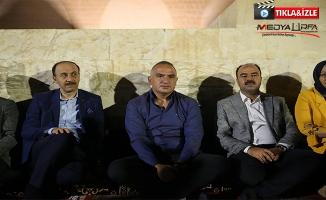Bakan Ersoy Urfa'da kültür gecesine katıldı