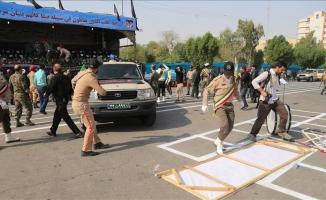 İran'da askeri geçit töreninde silahlı saldırı: 24 ölü