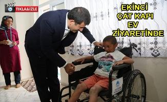 Başkan Ekinci Engelli Çocuğu Sevindirdi