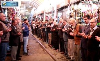Başkan Yıldız, Güne Esnafla Birlikte Dua İle Başladı